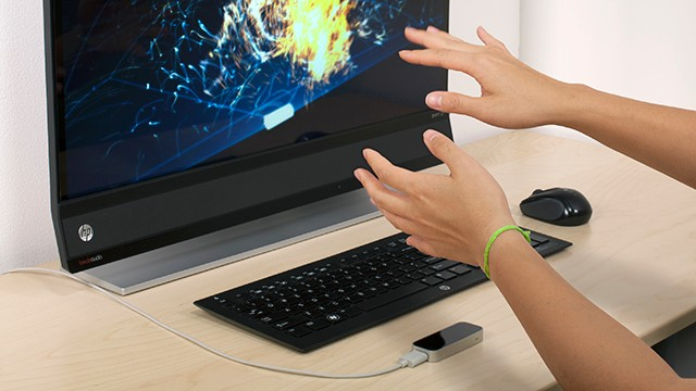 Leap Motion on desk